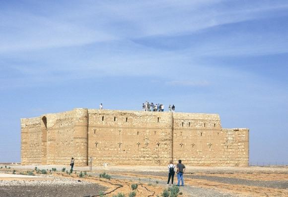 Qasr al Kharanah, interesting tourist sites Jordan