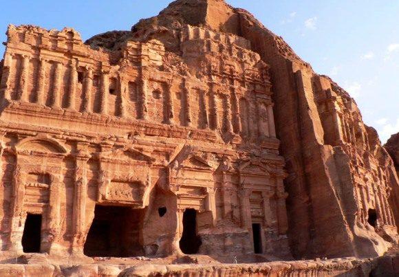 Petra tours and temples, tourist sites Amman Jordan